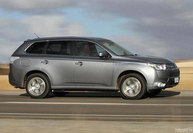 Mitsubishi-Outlander-Hybrid-img-04.jpg