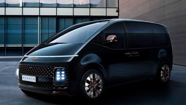 Hyundai_Staria_2022-1-min.jpg