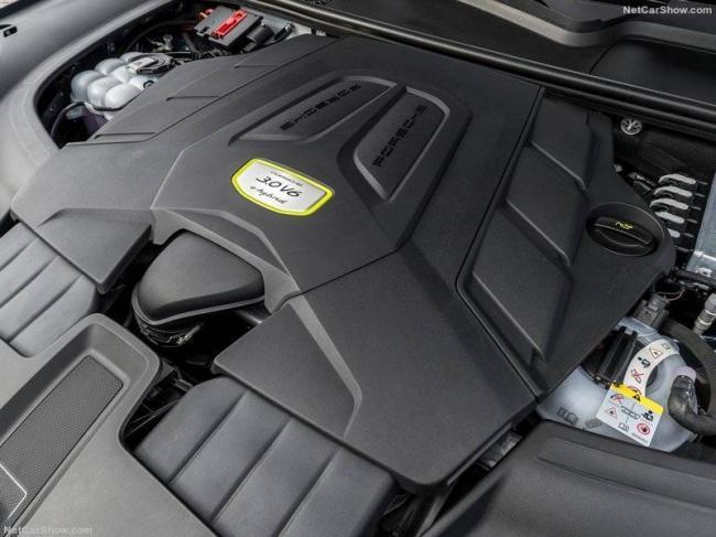 Porsche-Cayenne_E-Hybrid-2019-800-af.jpg