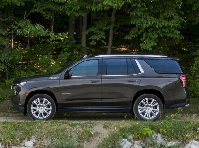 Chevrolet-Tahoe-2021-3.jpg