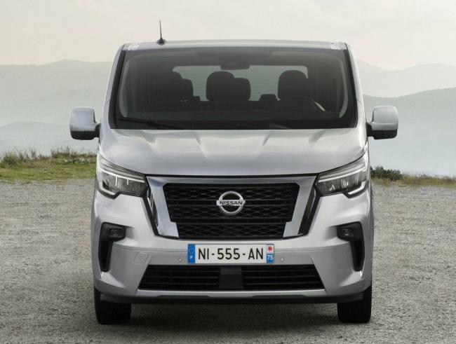 Nissan-NV300-2021-2.jpg