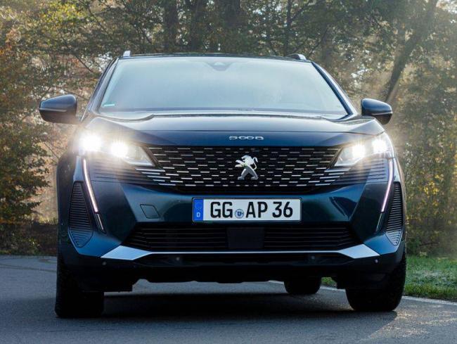 Peugeot-3008-2021-2.jpg