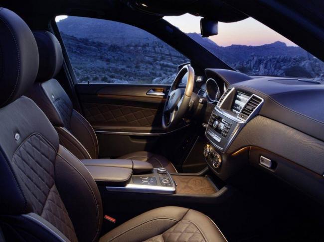 Mercedes_GL-Class_SUV-5-door_2012-1024x768.jpg