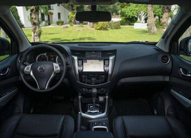 2019-Nissan-Navara-9.jpg