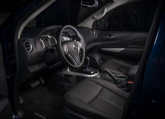 2019-Nissan-Navara-13.jpg