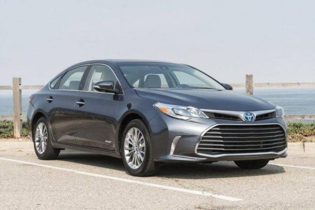 2016-toyota-avalon-limited-hybrid-a-driveways-review-the-ripping2.jpg
