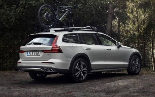 Volvo V60 Cross Country 2019-2020 года