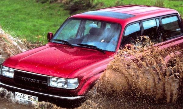 Toyota-Land-Cruiser-80-01.jpg