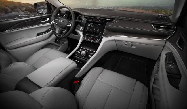 salon-jeep-grand-cherokee-l-2021.jpg