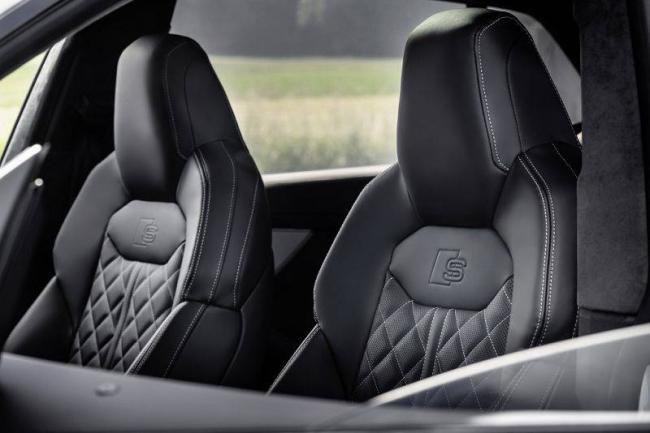 Audi-Q8-2021-14.jpg