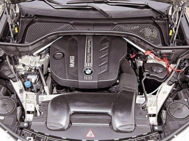 bmw-x5-engine.jpg