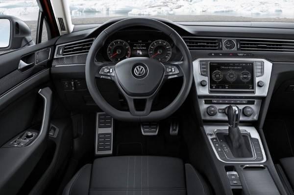 Volkswagen-passat-alltrack-005.jpg