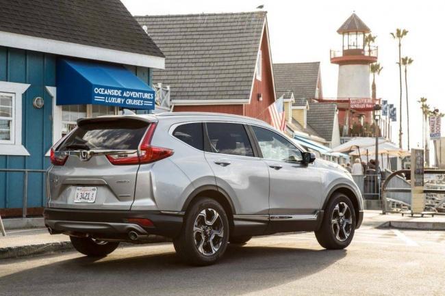 2017-Honda-CR-V-Touring-AWD-rear-three-quarter-02-1024x683.jpg