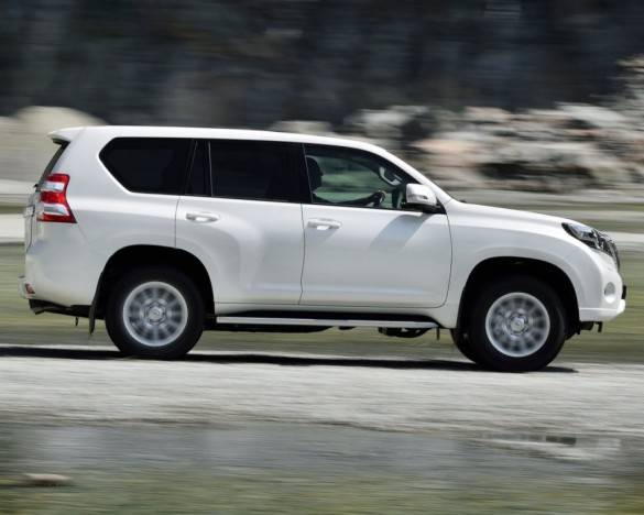 foto-Toyota-Land-Cruiser-Prado-150-2014-sboku-585x468.jpg