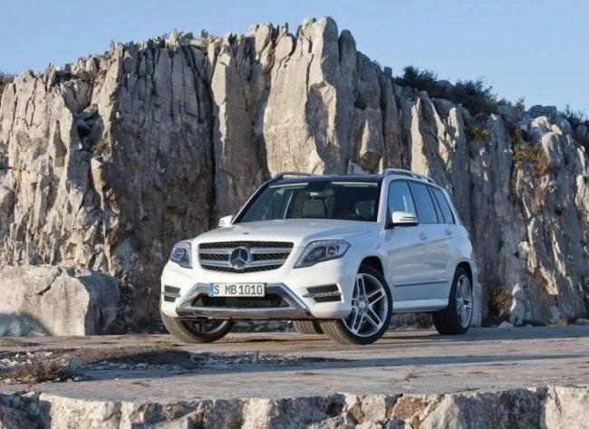 Mercedes-Benz-GLK-1-2-800x584.jpg