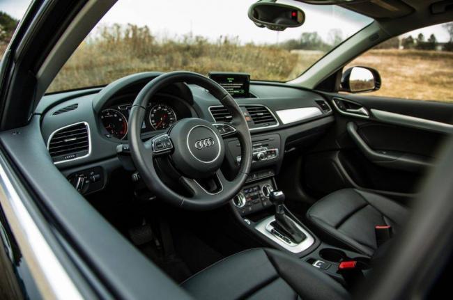 2015-Audi-Q3-2.0T-cockpit-01-1024x680.jpg