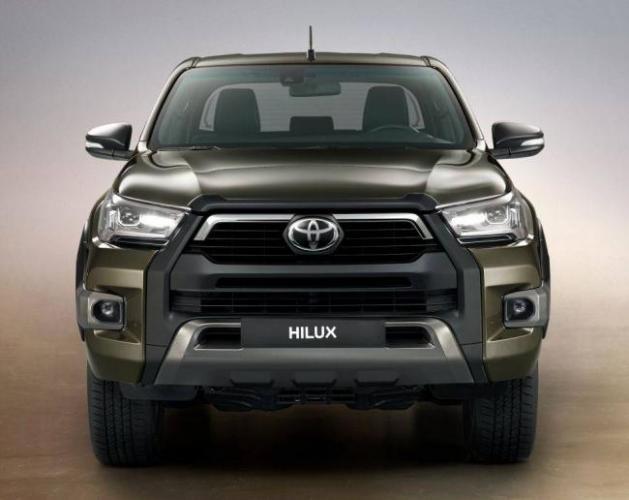 2020-Toyota-Hilux-2.jpg