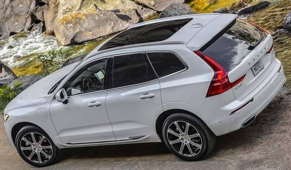 Volvo-XC60-2018-09.jpg