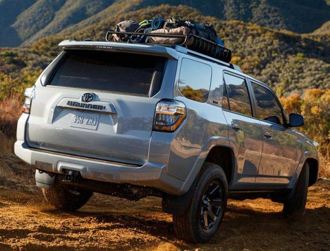 Toyota-4Runner-2021-3.jpg