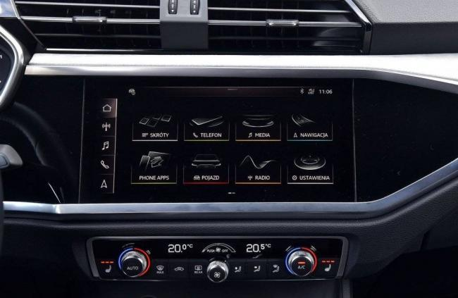 Audi-Q3-45-TFSI-ekran-centralny-1024x667.jpg