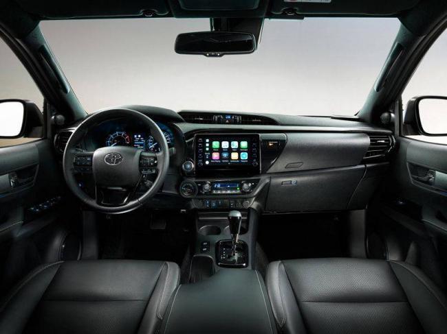 Toyota-Hilux-2021-8.jpg
