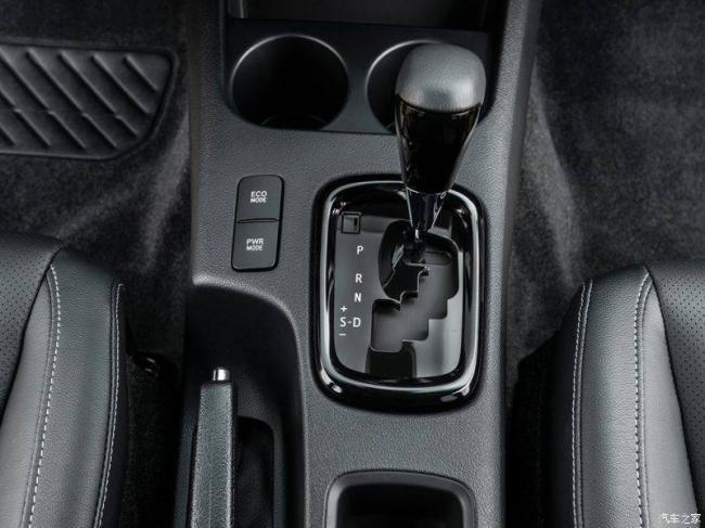 Toyota-Hilux-2021-12.jpg