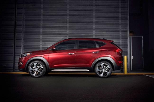 Hyundai-Tucson-2017-3.jpg-nggid03303-ngg0dyn-0x0x100-00f0w010c010r110f110r010t010.jpg