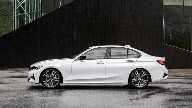 2018-BMW-3-3.jpg