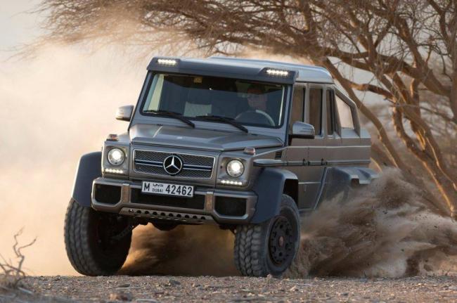 2014-Mercedes-Benz-G63-AMG-6x6-front-three-quarter-dirt-sliding-2-1024x680.jpg