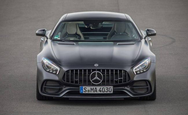 2018-Mercedes-AMG-GT-2.jpg