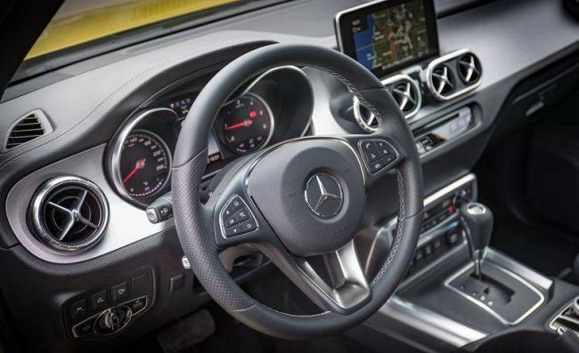 2018-Mercedes-X-class-10.jpg