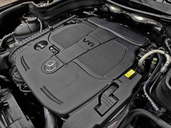 mercedes-glk-engine.jpg