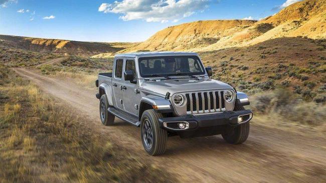 2019-Jeep-Gladiator-2.jpg