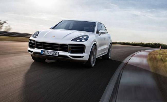 2019-Porsche-Cayenne-2.jpg