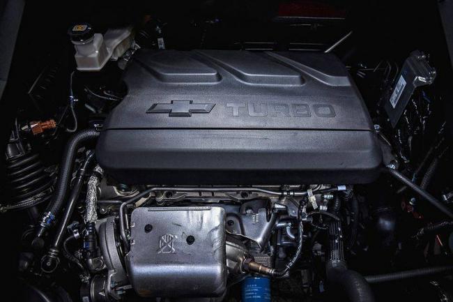 Chevrolet-Captiva-2020-11.jpg