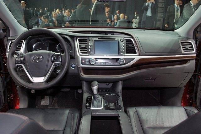 2014-toyota-highlander-interior.jpg