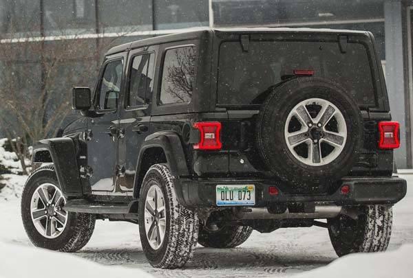 Jeep-Wrangler-Rubicon-2018-02.jpg