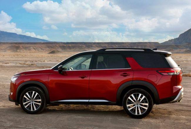 Nissan-Pathfinder-2021-3.jpg