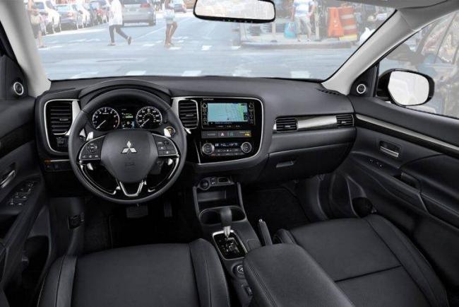 2016-mitsubishi-outlander-front-seats-750x501.jpg