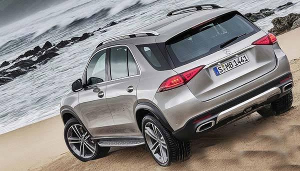 Mercedes-Benz-GLE-2018-17.jpg