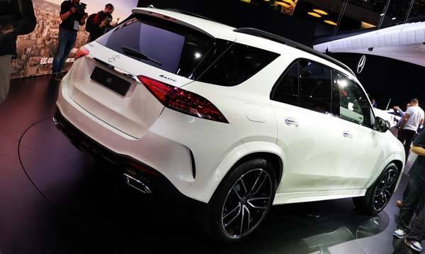 Mercedes-Benz-GLE-2018-02.jpg