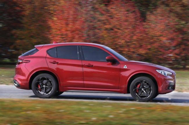 2018-Alfa-Romeo-Stelvio-Quadrifoglio-profile-in-motion-02-1024x682.jpg