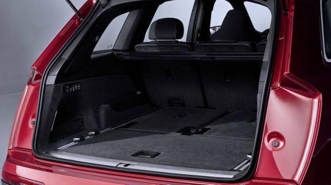 2019-Audi-Q7-13-1.jpg