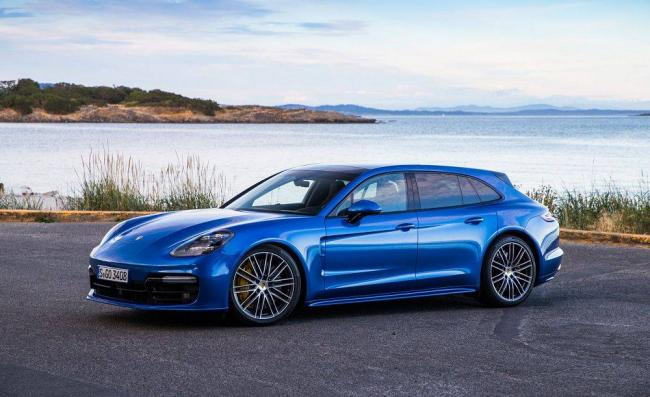 Porsche-Panamera-Sport-Turismo-2018-2.jpg