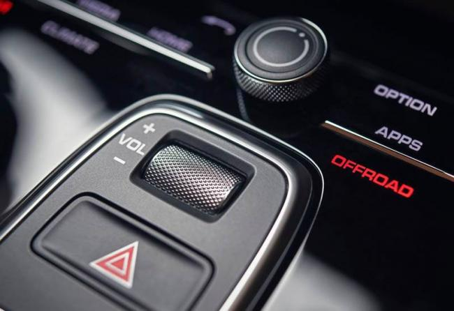 new_Porsche_Cayenne_2018-2019_024.jpg