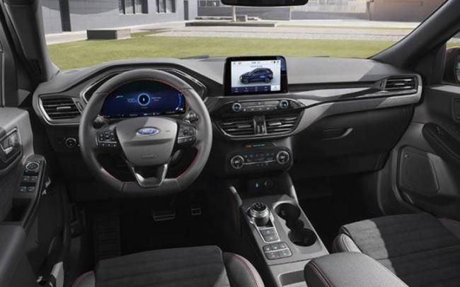 Интерьер Ford Kuga 2020